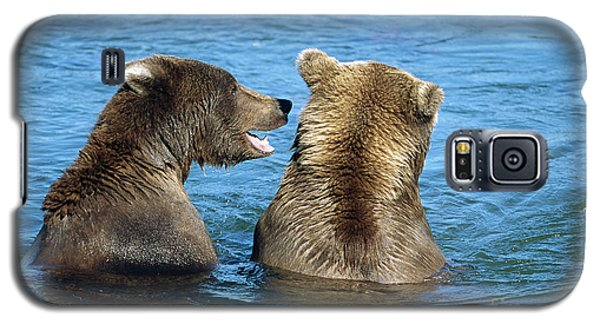 Brown Bear Galaxy S5 Case - Grizzly Bear Talk by Yva Momatiuk and John Eastcott