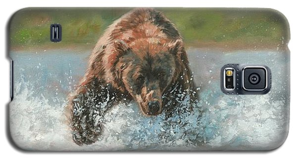 Galaxy S5 Case featuring the painting Grizzly Charge by David Stribbling