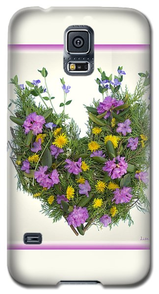 Galaxy S5 Case featuring the digital art Growing Heart by Lise Winne