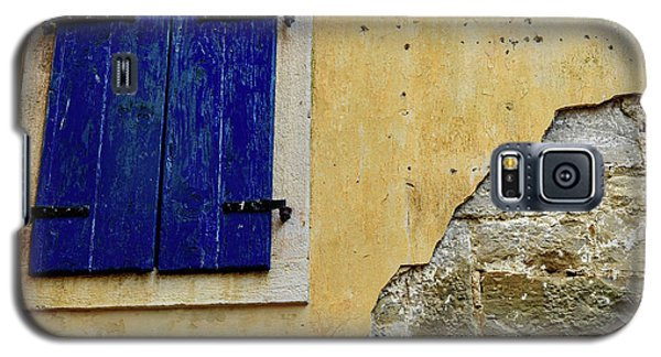 Groznjan Istrian Hill Town Stonework And Blue Shutters  - Istria, Croatia Galaxy S5 Case
