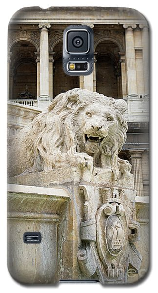 Galaxy S5 Case featuring the photograph Guardian Of Paris by Ivy Ho