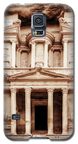 Galaxy S5 Case featuring the photograph Guarding The Petra Treasury by Nicola Nobile