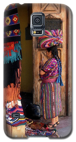 Guatemala Maya Textile Vendor Galaxy S5 Case by John  Mitchell