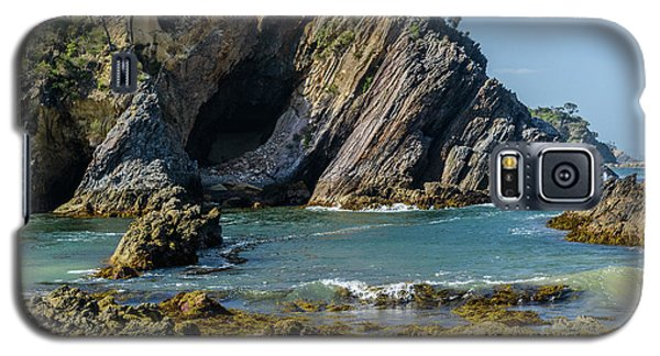 Galaxy S5 Case featuring the photograph Guerilla Bay 4 by Werner Padarin
