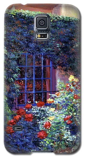 Beverly Hills Galaxy S5 Case - Guesthouse Rose Garden by David Lloyd Glover