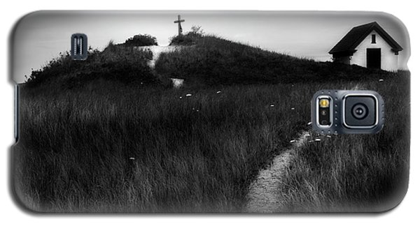 Galaxy S5 Case featuring the photograph Guiding Light by Bill Wakeley