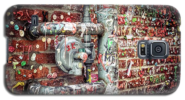 Galaxy S5 Case featuring the photograph Gum Drop Alley by Spencer McDonald