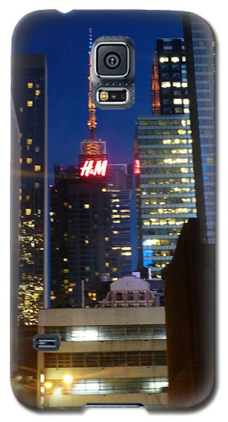 Galaxy S5 Case featuring the photograph H M Building by Helen Haw