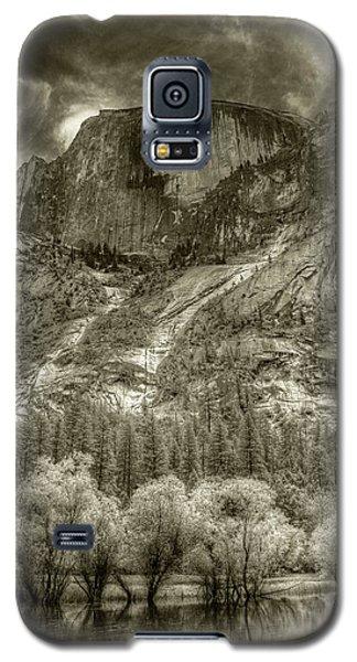 Half Dome Over Mirror Lake Galaxy S5 Case