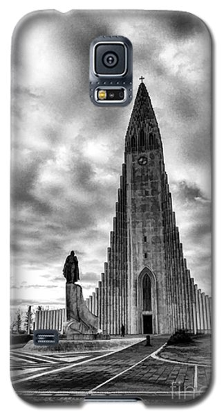 Galaxy S5 Case featuring the photograph Hallgrims Kirkja Iceland by Rick Bragan