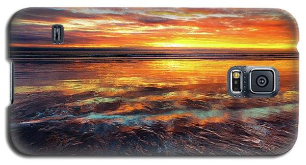Galaxy S5 Case featuring the photograph Hampton Beach by Robert Clifford