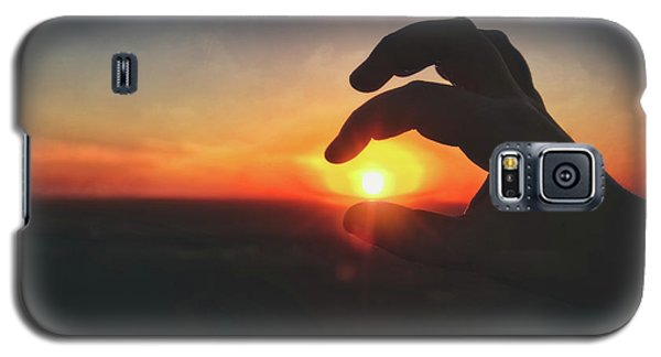 Galaxy S5 Case featuring the photograph Hand Silhouette Around Sun - Sunset At Lapham Peak - Wisconsin by Jennifer Rondinelli Reilly - Fine Art Photography