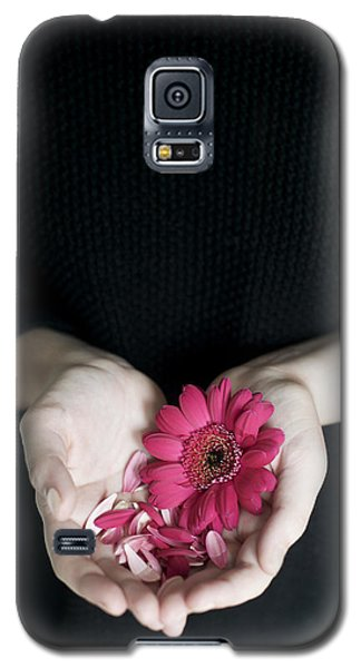 Hands Holding Pink Gerbera Daisies Galaxy S5 Case