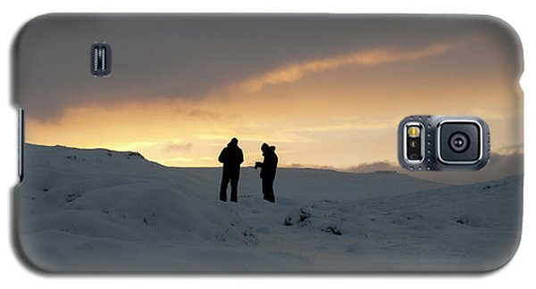 Galaxy S5 Case featuring the photograph Hanging Around Iceland by Dubi Roman