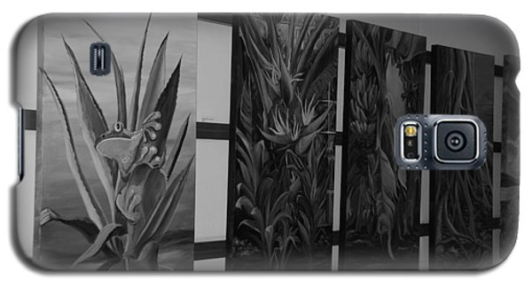 Galaxy S5 Case featuring the photograph Hanging Art by Rob Hans