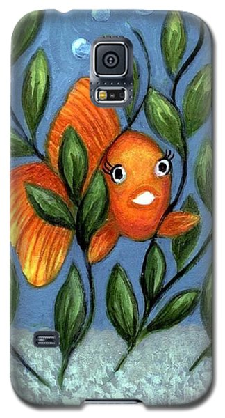 Galaxy S5 Case featuring the painting Happy Goldfish by Sandra Estes