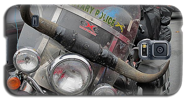 Galaxy S5 Case featuring the photograph Harley One Bull O by John King