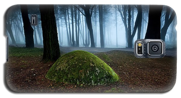 Galaxy S5 Case featuring the photograph Haunting by Jorge Maia