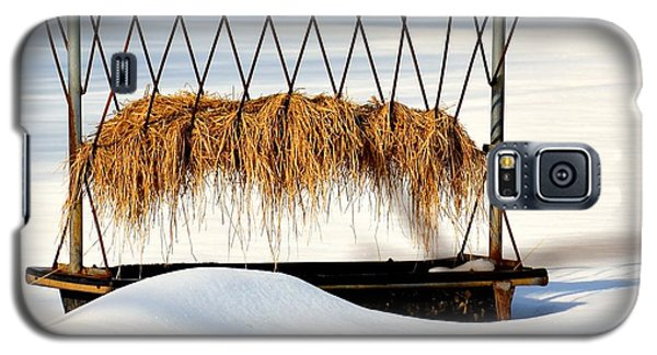 Hay Feeder In Winter Galaxy S5 Case