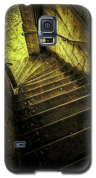 Galaxy S5 Case featuring the photograph Head Full Of Drought by Russell Styles
