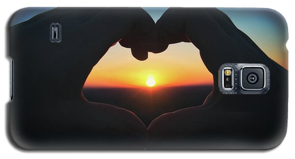 Galaxy S5 Case featuring the photograph Heart Shaped Hand Silhouette - Sunset At Lapham Peak - Wisconsin by Jennifer Rondinelli Reilly - Fine Art Photography