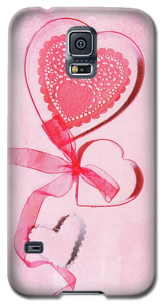 Galaxy S5 Case featuring the photograph Hearts by Rebecca Cozart