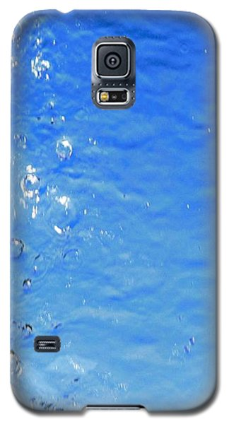Galaxy S5 Case featuring the photograph Waterfall by Ray Shrewsberry