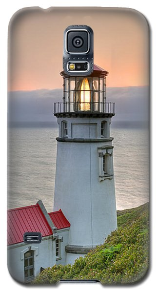 Heceta Lighthouse At Sunset Galaxy S5 Case by Martin Konopacki