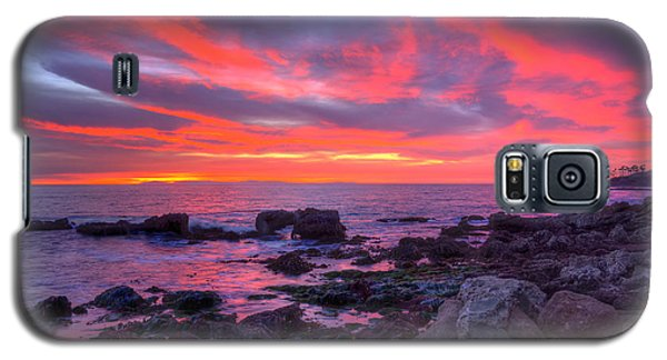 Galaxy S5 Case featuring the photograph Heisler Park Tide Pools At Dusk by Eddie Yerkish