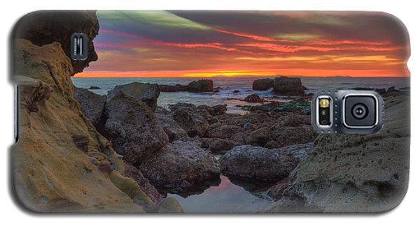 Galaxy S5 Case featuring the photograph Heisler Park Tide Pools by Eddie Yerkish