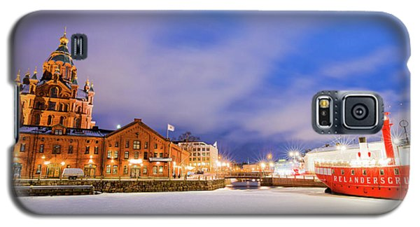 Galaxy S5 Case featuring the photograph Helsinki By Night by Delphimages Photo Creations