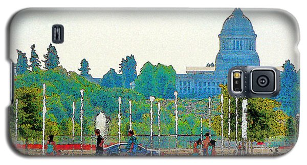 Galaxy S5 Case featuring the photograph Heritage Park Fountain by Larry Keahey