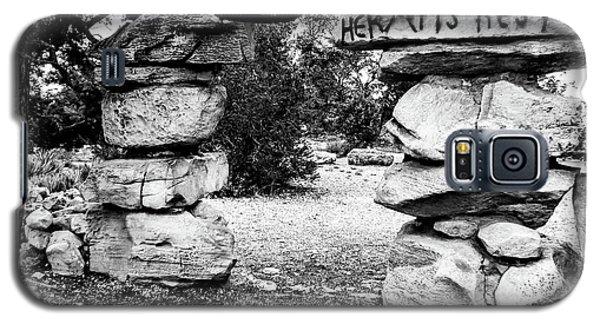Hermit's Rest, Black And White Galaxy S5 Case