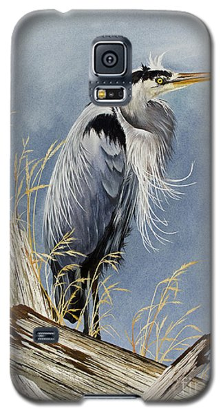Galaxy S5 Case featuring the painting Herons Windswept Shore by James Williamson