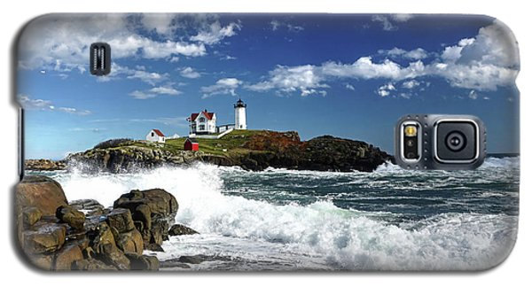 High Surf At Nubble Light Galaxy S5 Case
