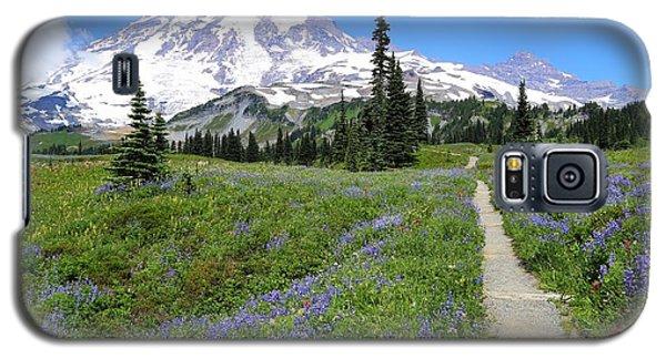 Hiking In The Wildflowers Galaxy S5 Case by Lynn Hopwood