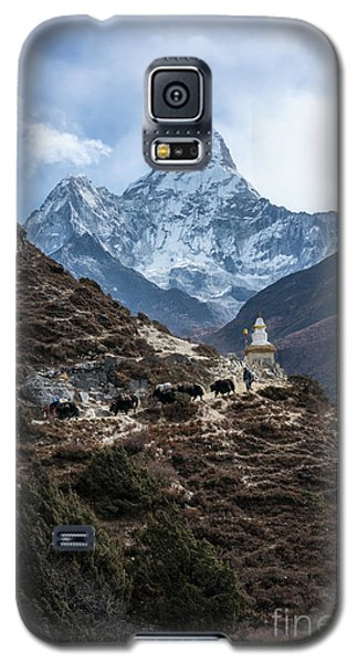 Galaxy S5 Case featuring the photograph Himalayan Yak Train by Mike Reid