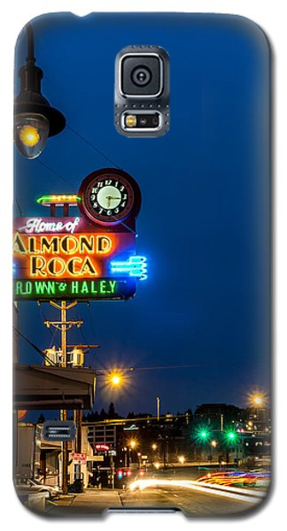 Historic Almond Roca Co. During Blue Hour Galaxy S5 Case