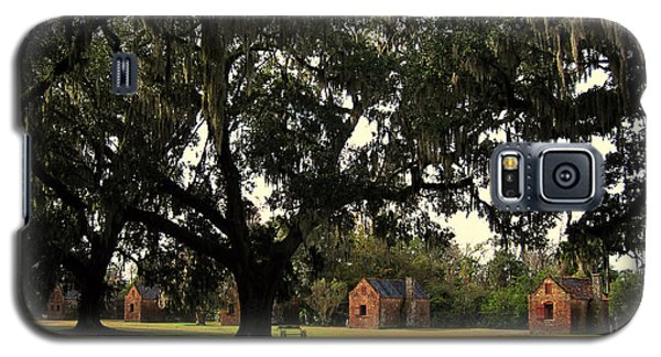 Historic Slave Houses At Boone Hall Plantation In Sc Galaxy S5 Case