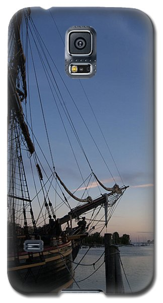 Hms Bounty Ship - Sunset At The Cove Galaxy S5 Case