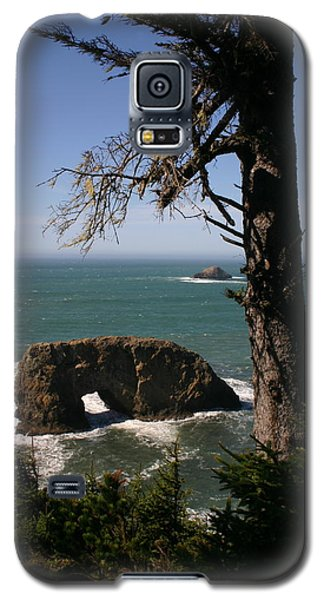 Galaxy S5 Case featuring the photograph Hole In One At Arch Rock by Marie Neder