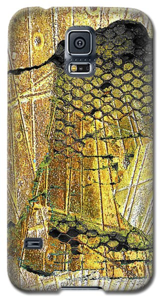 Galaxy S5 Case featuring the mixed media Hole In The Wall by Tony Rubino