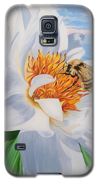 Galaxy S5 Case featuring the painting Honey Bee On White Flower by Sigrid Tune