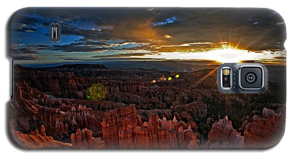Hoodoos At Sunrise Bryce Canyon National Park Galaxy S5 Case
