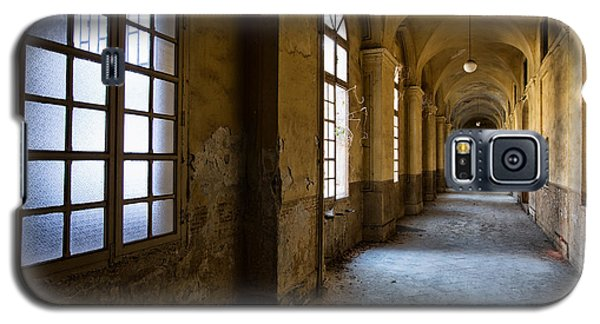 Hopelessly In Hope - Abandoned Mental Institution Galaxy S5 Case by Dirk Ercken
