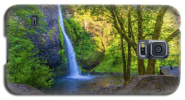 Galaxy S5 Case featuring the photograph Horesetail Falls by Jonny D