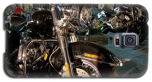 Horizontal Front View Of Fat Cruiser Motorcycle With Chrome Fork Galaxy S5 Case by Jason Rosette