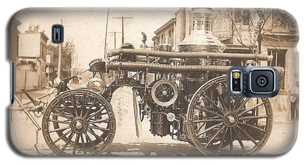 Galaxy S5 Case featuring the photograph Horse Drawn Fire Engine 1910 by Unknown
