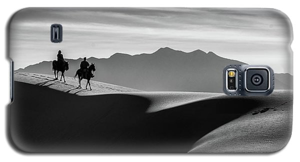 Horseback At White Sands Galaxy S5 Case