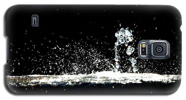 Horses And Men In Rain Galaxy S5 Case by Bob Orsillo